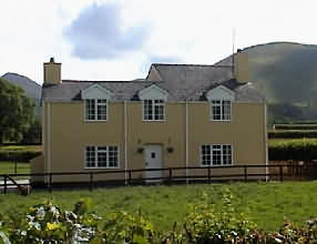 Trosnant Cottage,Trosnant Farm, Cantref, Brecon, Powys, boasts three comfortable bedrooms sleeping up to 7 people
