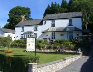 Llwyn Onn Guest House is in an idyllic setting overlooking the Llwyn Onn Reservoir in the heart of the Brecon Beacons National Park.