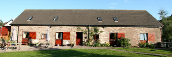 Old Radnor Barn B&B, Station Yard, Talgarth. LD3 0PE - Brecon Beacons Bed and Breakfast Accommodation Wales is set within the Brecon Beacons National Park, the area is renowned for its scenic beauty and is an ideal base for holidays in Mid Wales.